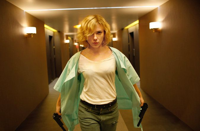 In 'Lucy,' Scarlett Johansson Transforms Into a Superwoman - THIS MOVIE BOMBS, SKIP IT