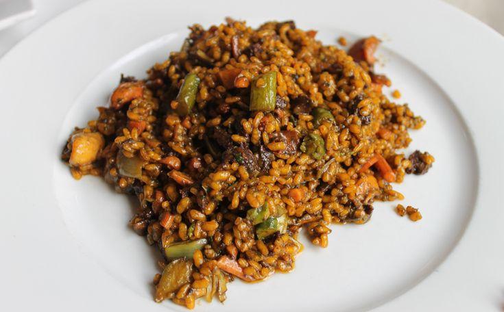 HostaldelaPlaça-4  arroz de sepionetas, butifarra negra y alcachofas
