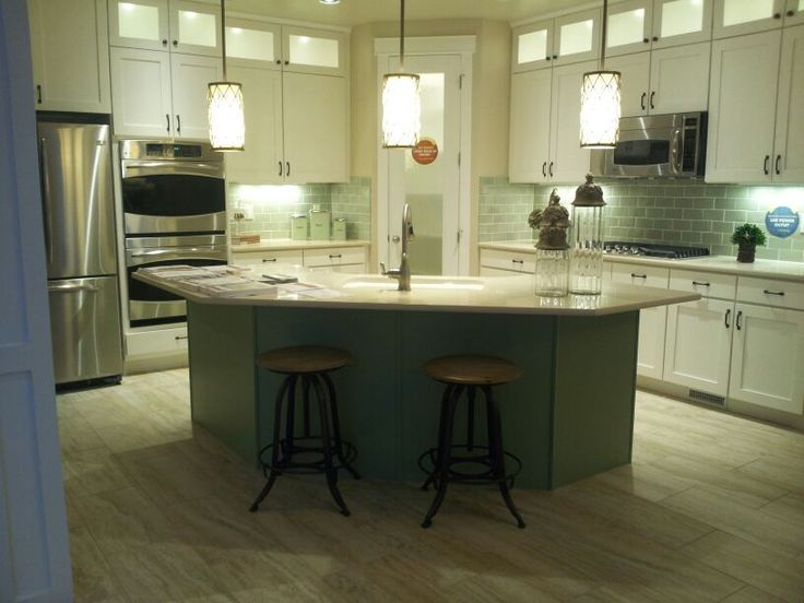 Corner pantry kitchen ideas pinterest kitchen for Corner kitchen designs with island