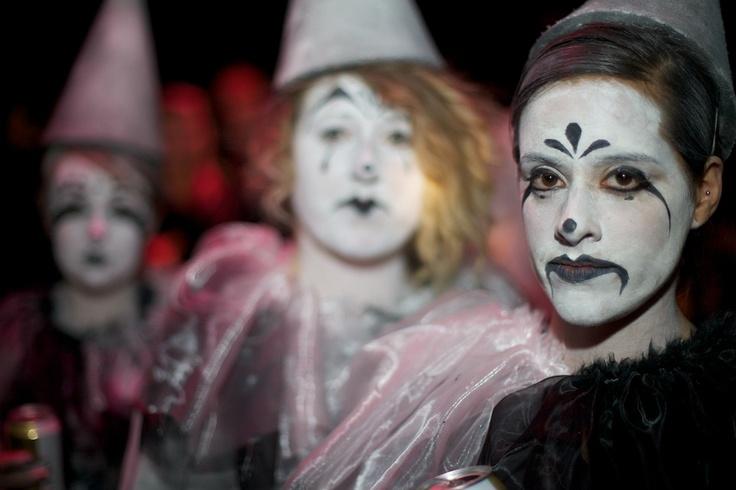 Pierrot face make up