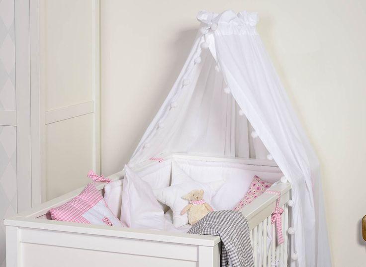 himmel f r babybett kommode mit schwarzen kn pfen pinterest. Black Bedroom Furniture Sets. Home Design Ideas