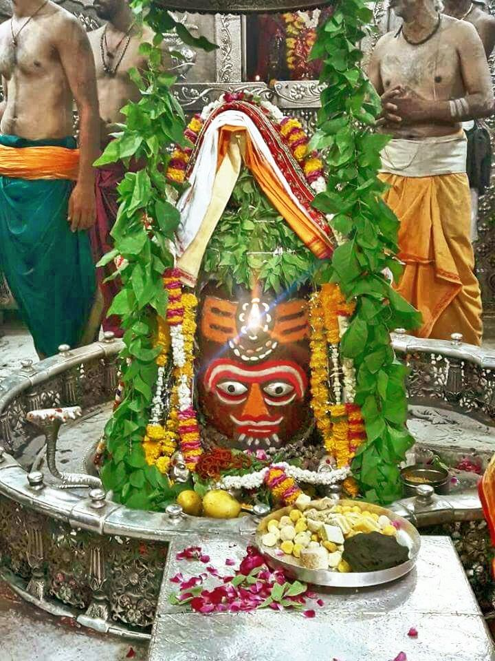 #Bhasma #Aarti pic of Shree #Mahakal #Ujjain - June 05             . . . Follow our FB page: www.facebook.com/ujjaintravel   . . . #शिव #उज्जैन #महाकाल #ॐ #mahakal#mahakalcity #ujjain #loveujjain #ujjaindiaries#Mahakaleshwar #shiv #shivratri #shiva #omnamahshivay #bholenath #jaimahakal#jaibholenath #harharmahadev #mahadev #travel#tourism #MPTourism #ujjain_travel #temple