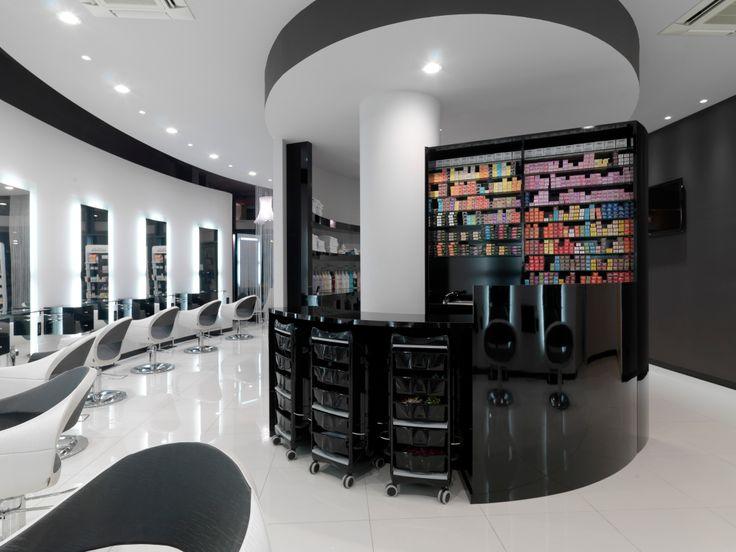 Oltre 25 fantastiche idee su saloni di parrucchieri su for Capelli arredamenti