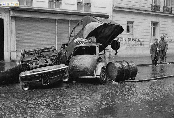 Alfa Romeo, Isetta, Citroën 2CV, «ni Dieu ni maitre! à bas l'état» (Quartier Latin, Parijs, mei '68)