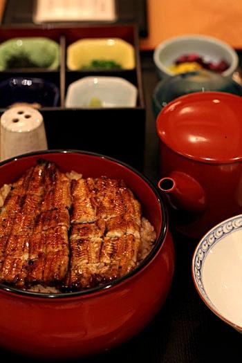 ひつまぶし、hitsumabusi, chopped kabayaki eel on rice