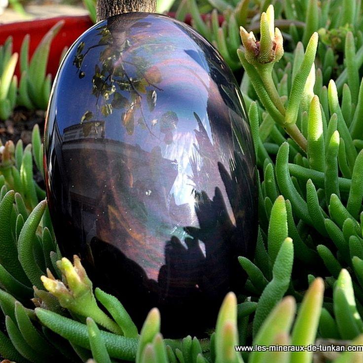 Les obsidiennes sont des roches volcaniques; elles sont riches en silice. Celles que nous possédons viennent du Mexique . Nous vous présentons quelques-unes des obsidiennes que nous avons à la vente : L'Obsidienne Oeil Céleste Fonction énergétique : L'obsidienne...