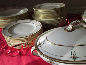 Antique Minton Bone China Part Dinner Service/ 48 Pieces - H2316 (1911) : plated dinner service - pezcame.com
