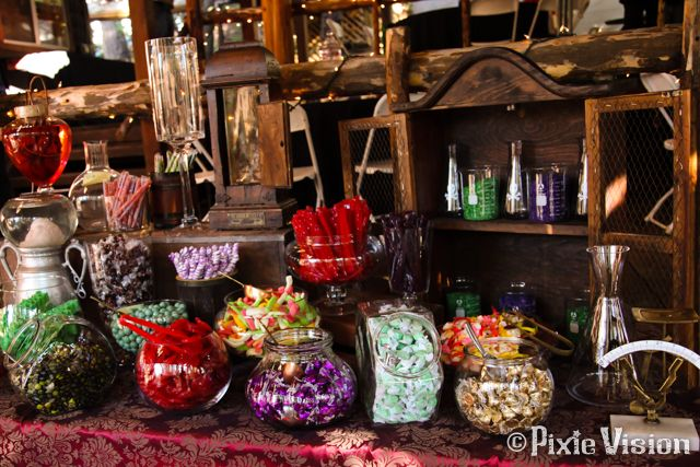 Candy buffets are fucking sweet, amirite? After a stroll through our massive candy buffet archives, I am now a believer that you can do WHATEVER you want with these babies. Going for the elegant lo...