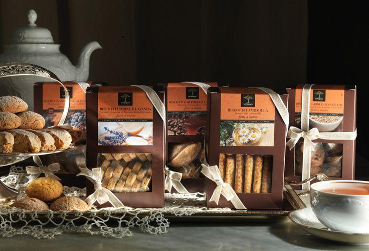 #biscotti artigianali della pasticceria di San Patrignano. Fatti con ingredienti naturali e metodi tradizionali, vasto l'assortimento per soddisfare tutti i gusti.