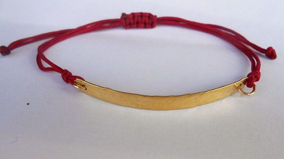 A beautiful gold hammered bracelet made from silver 925 .The perfect gift for your friend,bridesmaids or your girlfriend.It is to wear with macrame cord...fits in all hands.Available colors: deep red wine ,black