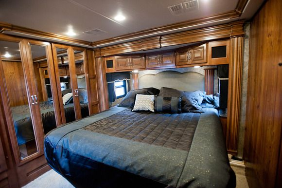18 best images about dream rvs on pinterest master for Rv with 2 master bedrooms