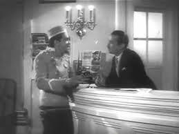 Película Gran Hotel (1944) en la que un joven vago sin oficio ni beneficio entra a trabajar a este lujoso hotel como botones, gracias a la ayuda de una amiga camarera de pisos. Su curiosidad con los huéspedes le meterá en continuos problemas.