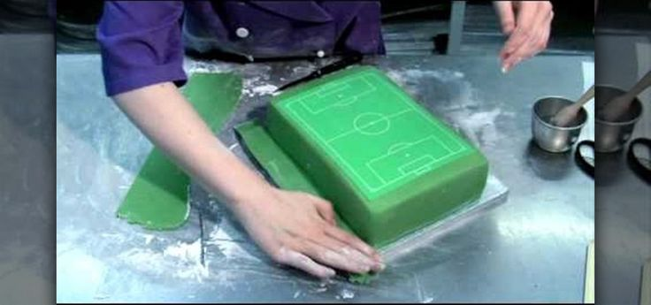 How to Decorate a perfect soccer field/football pitch cake