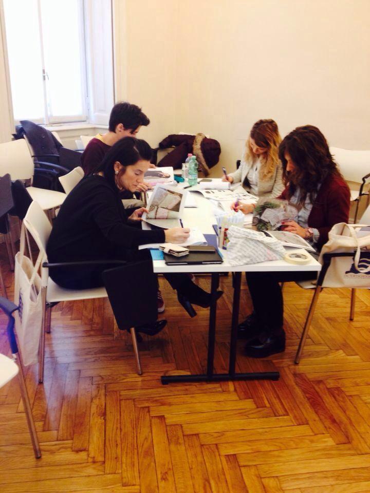 A #Milano siamo subito al lavoro! Il nostro corso #Scuola #VisualMerchandising sempre più #esperienziale .. Ecco il nostro straordinario gruppo di #professioniste motivate e preparate con FactorySchool.