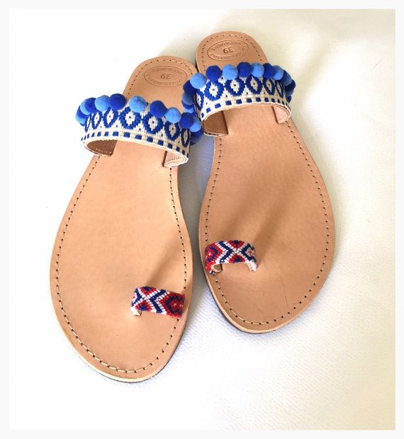 How to Style Pom Pom Sandals    The cutest and most stylish ways on #howtostyle pom pom sandals    #poms #pompoms #sandals #pompomsandals #summerstyle #summertrends