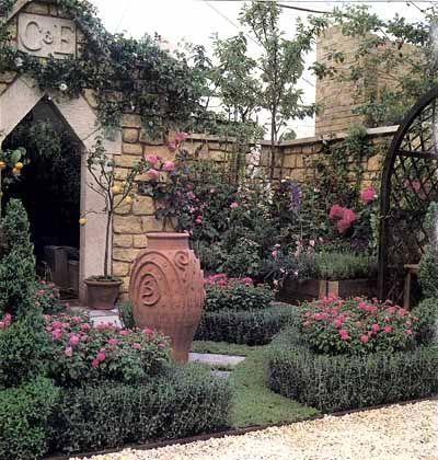 Flower Backyard GardenCourtyards Gardens, Gardens Ideas, Secret Gardens, Garden Ideas, Flower Gardens, Backyards Ideas, Fragrant Flower, Backyards Beautiful, Backyards Gardens