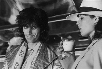 Guitarist Keith Richards with German actress Uschi Obermaier during the Rolling Stones' 1975 Tour of the Americas.