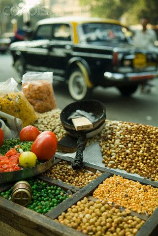 Taste this #streetfood while wandering across the streets of #Mumbai. The taste of India.