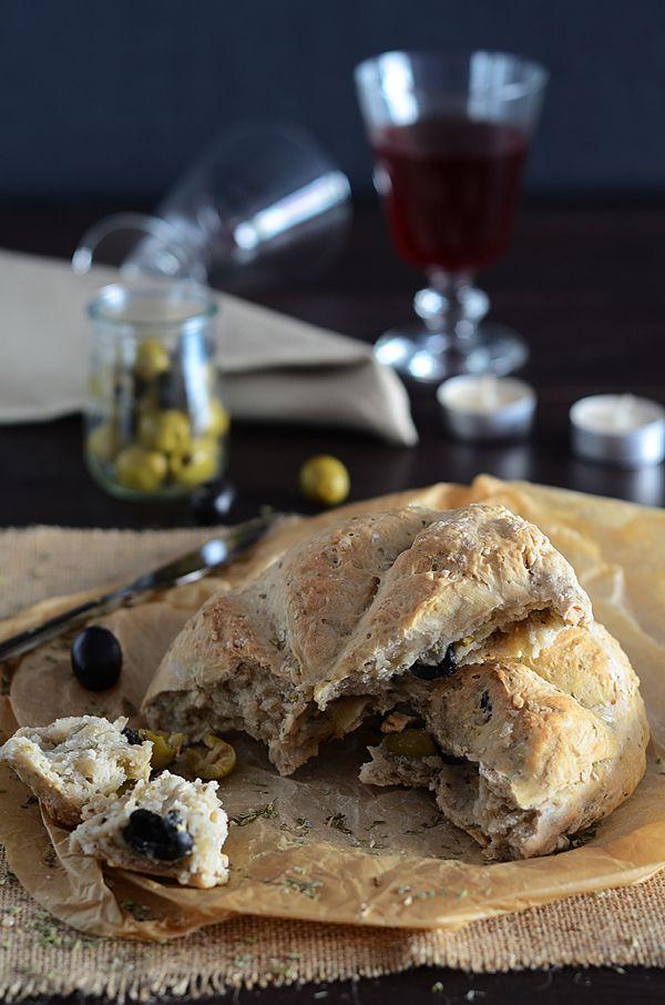 Pan aceitunas y oregano