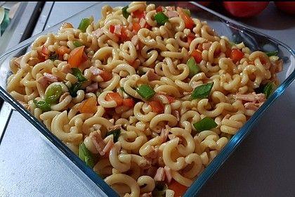 Summery spaghetti salad   – Salat