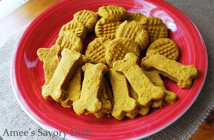 Healthy Homemade #dogtreats These dog treats are easy to make and more nutritious for your furry friend than the store bought counterparts.