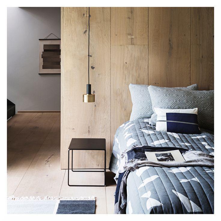 Seid ihr ein Fan von skandinavischem Interieur? 😊 Dann wird euch unser Produkt der Woche bestimmt gefallen: die Disc Brass Pendelleuchte von Ferm Living. ❤️