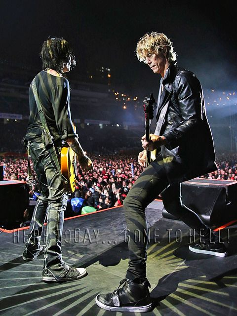 Richard Fortus and Duff McKagan