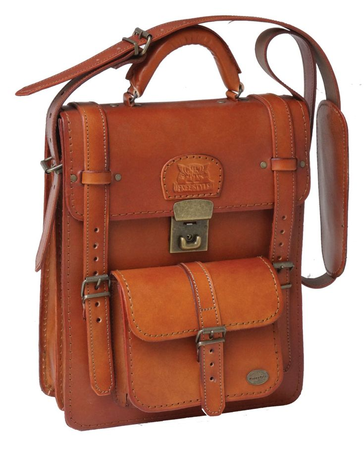 Freestyle A4V II (Chestnut) Handmade Genuine Leather Bag. R 1'899. Handcrafted in Cape Town, South Africa. Width: 26.5 cm Height: 32.5 cm Gussets: 7.5 cm See online shopping for availability. Shop for online https://www.thewhatnotshoes.co.za/ Free delivery within South Africa.