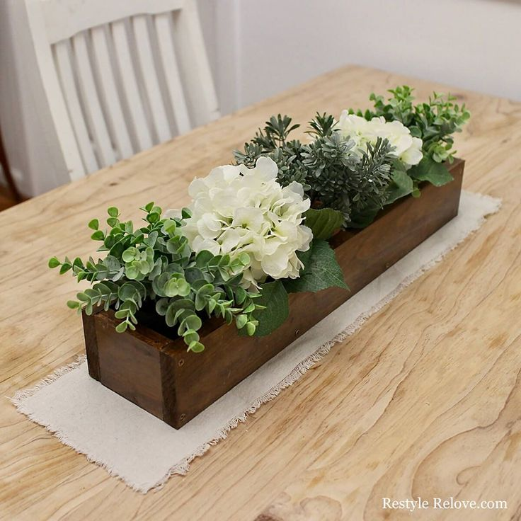 10 Awesome DIY Flower Box Centerpieces for Amazing Tables