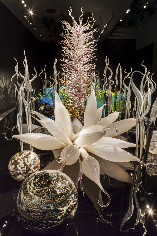 PREVIEW: Dale Chihuly, Famous Glassblower, Heads To Virginia Museum Of Fine Arts In October 2012 (PHOTOS)