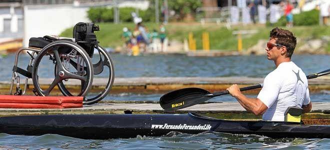 É a estreia da paracanoagem nos Jogos Olímpicos! A bordo de caiaques, os atletas devem completar no menor tempo possível um trajeto de 200m em linha reta em águas calmas.https://psicologiaacessivel.net/2016/09/02/jogos-paralimpicos-esgrima-em-cadeira-de-rodas/#respond