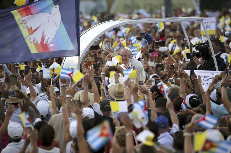Multitudinaria misa en la Plaza de la Revolución de Cuba - Religión - abc.es  Setiembre 2015