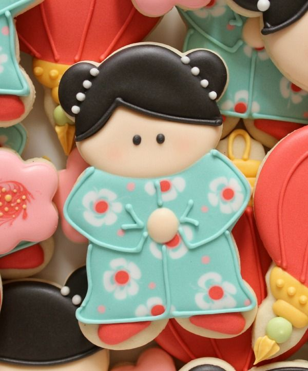 China doll cookies - done using a teddy bear cookie cutter - couldn't be any cuter!!!  Just adorable!