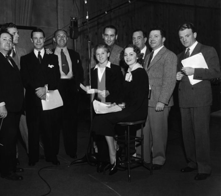 James Cagney with the cast of 1935's A Midsummer Night's Dream (and 9th-wheel Warner): Dick Powell, Joe E. Brown, Jack Warner, Mickey Rooney, Victor Jory, Olivia de Havilland, Hugh Herbert, and Frank McHugh