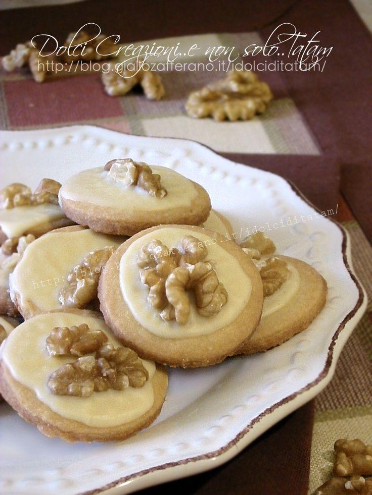 Biscotti con le noci, senza uova e senza lievito