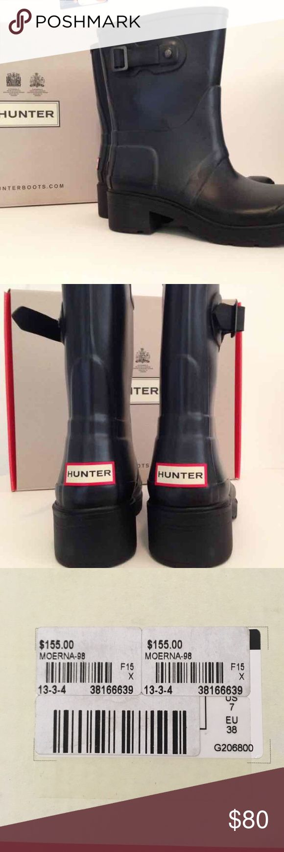Hunter short boot Gently worn like new great boot will last a long time this style isn't seen often can ship with box and kiwi shine sponge :) Hunter Boots Shoes Winter & Rain Boots
