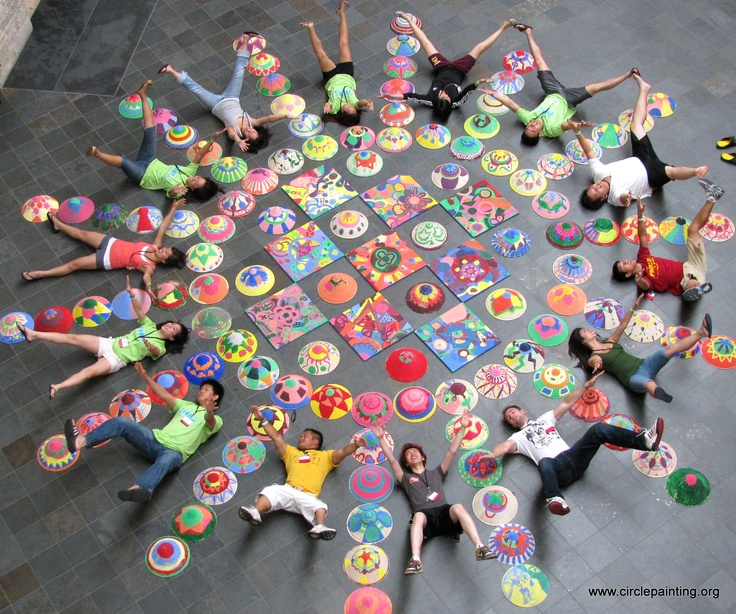 Circle Painting at Catalyst Foundation's Culture Camp, MN.    Teaching Art & Painting for Festivals, Events or Businesses