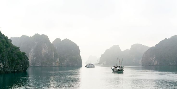 In #Vietnam - Minimalistic capture of Bai Tu Long Bay: http://readcereal.com/bai-tu-long/ (via C E R E A L) #baitulong