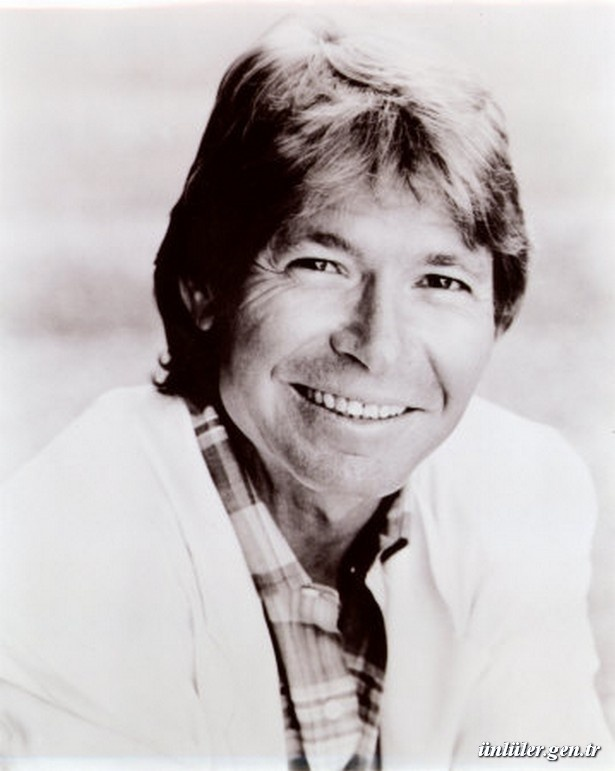 One of the most popular recording artists of the 1970s, country-folk singer/songwriter John Denver's 1943 - 1997