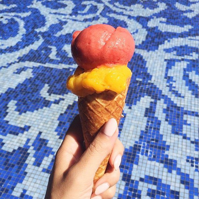 Mango + strawberry sorbet poolside at @themuliabali on this hot day #foreveronvacation (at Mulia Hotel and Resort Bali)