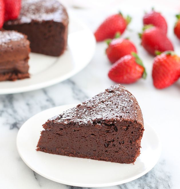 3 Ingredient Flourless Chocolate Cake | Kirbie's Cravings | A San Diego food blog