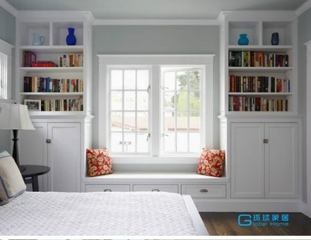 I like the idea of having a window seat in the main bedroom with his & her bookcase to either side.