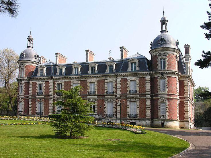 Château de Trousse-Barrière, Briare, Loiret, France - Briare — Wikipédia