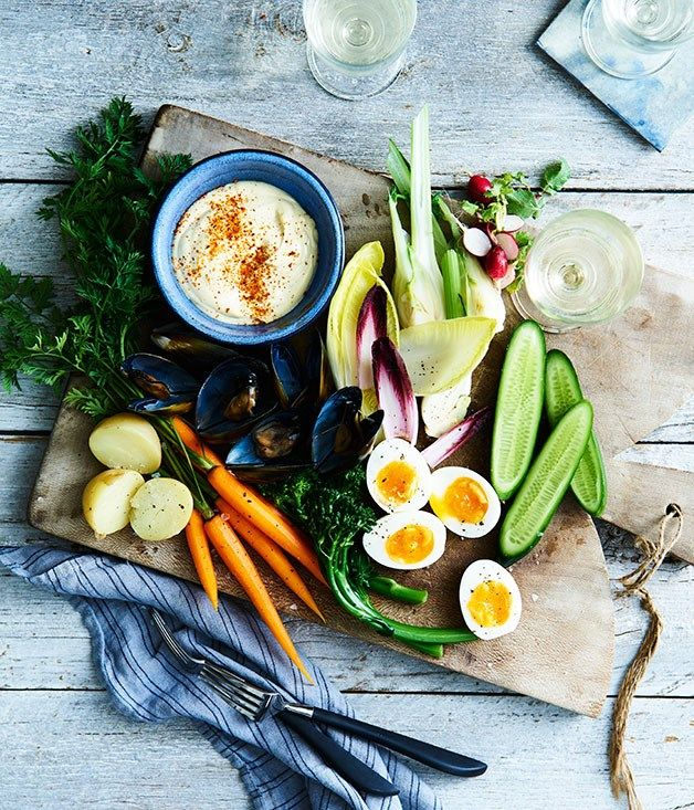 Any combination of vegetables and seafood will work well for this Provençal platter with aioli ❣