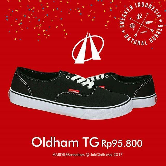 Sold out guys!!! 🙌  Buruan ke booth Ardiles at #jakclothgambirexpo sebelum kamu kehabisan sneakers yang lain... Go go go!!! Jemput sneakers favoritmu!! 👟 😍  #ardiles #ardilessneakers #sneakers #indonesia #madeinIndonesia #NaturalRubber #fashion #pictoftheday #ootd #casual #keren #kekinian #jalan2man #indie #jakarta #bogor #depok #tangerang #bekasi #jabodetabek #onlineshop #onlineshopindonesia #preorder #openorder #jakcloth #Jakclothsummerfest2017  #dragonforce