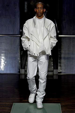 Spring 2005 Menswear (1st Collection)http://www.style.com/fashionshows/complete/slideshow/S2005MEN-RSIMONS/#46