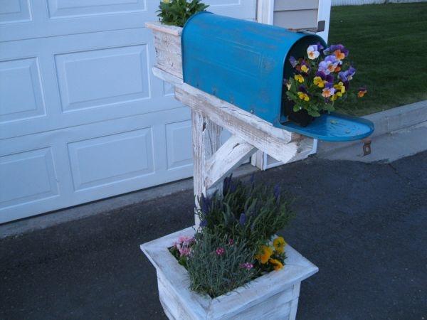 rural mailbox planter garden