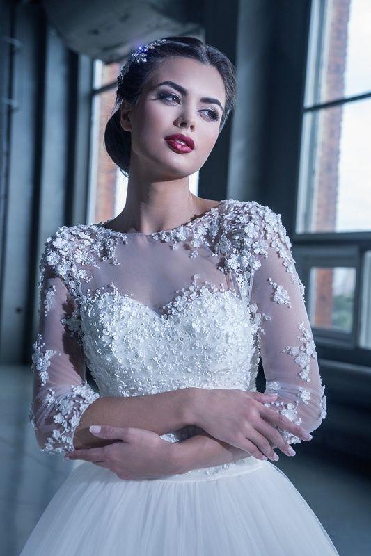 15225 в Красноярске, Платье в пол, Свадебное платье с рукавом, Свадебное платье с закрытым верхом, Пышное свадебное платье