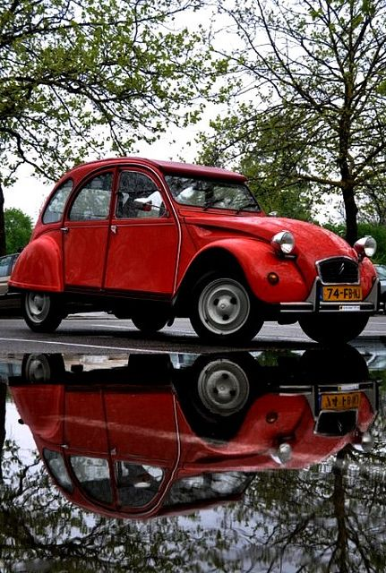 17 best images about citroen 2cv on pinterest. Black Bedroom Furniture Sets. Home Design Ideas