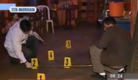Cuatro heridos dejó un sujeto en estado de ebriedad que disparó contra unos hombres que lo habían echado de un bar,  ubicado en el sector de Bayóvar,  en el distrito de San Juan de Lurigancho en